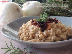 Risotto alle cipolle caramellate e rosmarino: il sapore agrodolce delle cipolle caramellate all'aceto balsamico si sposa con l'aroma fresco del rosmarino..