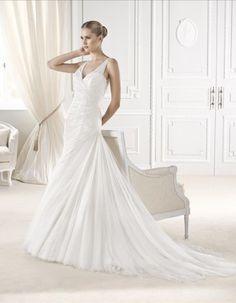 ELISKA wedding dress from the Fashion 2015 - La Sposa collection La Sposa Wedding Dresses, Pronovias Wedding Dress, V Neck Wedding Dress, Gorgeous Wedding Dress, Beautiful Gowns, Bridal Gowns, Buy Wedding Dress Online, Wedding Dresses For Sale, White Wedding Dresses