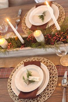 A simple, cozy & inexpensive DIY Thanksgiving tablescape