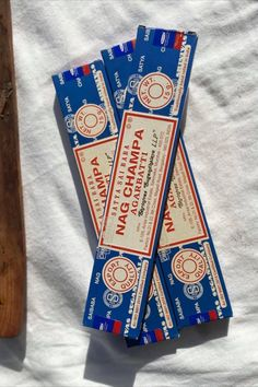 Nag Champa - Incense Sticks need no introduction.... Made by Satya Sai Baba and hand rolled in India. Each stick burns for 30 min approx. Packet contains: 15 sticks approx. Net Weight 15g.