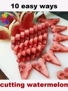 Amazing ways of cutting watermelon! Food Crafts, Diy Food, Kreative Snacks, Fruits Decoration, Creative Food Art, Creative Ideas, Cut Watermelon, Fruit And Vegetable Carving, Food Carving