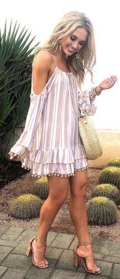 41 Cute Summer Fashion Outfits Ideas To Makes Look Elegant Fashion Mode, Boho Fashion, Fashion Outfits, Womens Fashion, Fashion Trends, Fashion Ideas, Stylish Summer Outfits, Spring Outfits, Cute Outfits