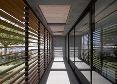Beautiful modern residence Architect: Pitzo Kedem Architects + Tanju Qzelgin