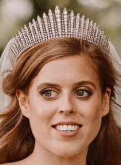 Royal Crowns, Royal Tiaras, Tiaras And Crowns, English Royal Family, British Royal Families, Royal Wedding Gowns, Royal Weddings, Lady Diana, Princess Beatrice Wedding