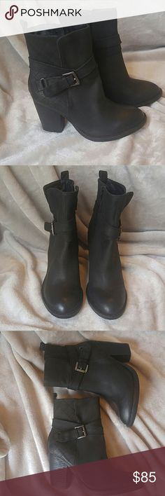 Steve Madden Update ur classic leather ankle bootie w this wrap around strap w buckle and quilted diamond pattern. 3.5 inch heel. Worn once and in great condition. No trades Steve Madden Shoes Ankle Boots & Booties