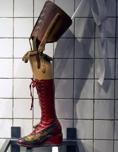Frida Kahlo's leg-prothese. I can totally relate. Leg and back braces for the first 5 years of my life. L.C.