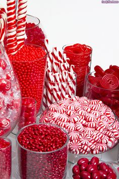 An exquisite collection of red confections makes this candy buffet unique and delicious! redcandybuffet : An exquisite collection of red confections makes this candy buffet unique and delicious! Red Candy Buffet, Candy Table, Candy Red, Candy Buffet Tables, Candy Bar Party, Green Candy, Party Buffet, Bar A Bonbon, Colorful Candy