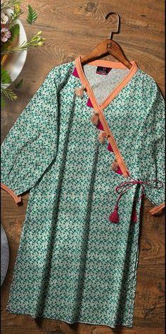girls kurta design style 2019 \ girls kurta design style , girls kurta design style 2019 , girls kurta design style with jeans Girls Dresses Sewing, Stylish Dresses For Girls, Stylish Dress Designs, Casual Dresses, Eid Dresses, Pakistani Fashion Party Wear, Pakistani Fashion Casual, Pakistani Outfits, Indian Outfits