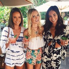 Babes Helen Owen and Brittany Ward getting festival ready with our girl @colognemumu!