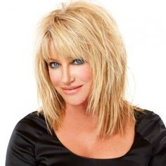 layered hair Are you looking for Medium Hair Cuts With Layers For Women 2018 See our collection full of Medium Hair Cuts With Layers For Women 2018 and get inspired! Click NEXT PAGE below to start browsing the gallery and happy pinning! Long Shag Hairstyles, Haircuts For Medium Hair, Hairstyles Over 50, Layered Haircuts, Hairstyle Short, Trendy Hairstyles, Long Choppy Haircuts, Hairstyles For Medium Length Hair With Layers, Hairstyles 2016