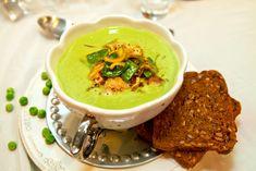 Grön ärtsoppa med torsk och grönsakstopping