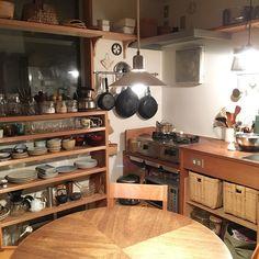 人生、いろいろあるけれど、台所から湯気が上っていたら大丈夫、と思う。 #musubi #musubi_work #国立 #谷保 #暮らし #DIY #収納 #台所 #キッチン #kitchen Asian Kitchen, Japanese Kitchen, Office Furniture, Home Kitchens, Liquor Cabinet, Household, Sweet Home, Modern, Room