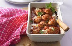 Putenbällchen in Tomatensauce mit Mozzarella