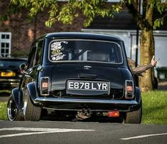 Mini Cooper S, Fiat 500, Sexy Cars, Hot Cars, Mini Cooper Clasico, Retro Cars, Vintage Cars, Classic Mini, Classic Cars