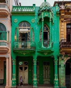 New Art Nouveau Architecture Interior Havana Cuba 68 Ideas Architecture Design, Architecture Art Nouveau, Beautiful Architecture, Beautiful Buildings, Beautiful Places, Windows Architecture, Green Architecture, Colonial, Art Nouveau Arquitectura