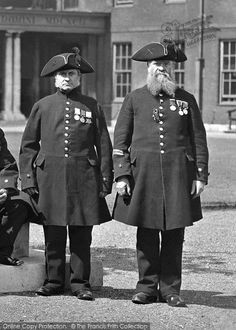 London, Chelsea Pensioners c.1898. Always impressive.