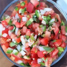 Easy Pico de Gallo Recipe - The best pico de gallo recipe Easy Potluck Recipes, Corn Recipes, Other Recipes, Mexican Food Recipes, Appetizer Recipes, Easy Meals, Cooking Recipes, Healthy Recipes, Appetizer Ideas