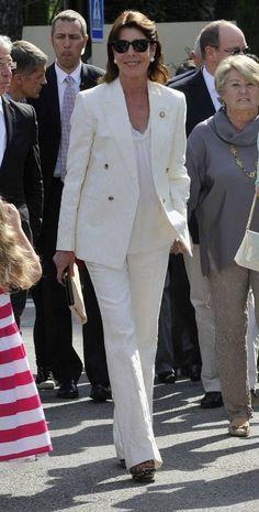 Carolina de Mónaco Grace Kelly Wedding, Monaco Royal Family, Estilo Real, Royals, Dress For Success, Royal Fashion, White Pants, Spring Summer Fashion, Camilla