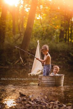 48 ideas for children photography ideas siblings toddlers Photography Mini Sessions, Sibling Photography, Toddler Photography, Photography Backdrops, People Photography, Little Boy Photography, Photography Studios, Photography Marketing, Photography Guide