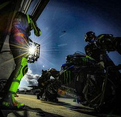 Valentino Rossi, Spaceship, Sci Fi, Art, Space Ship, Art Background, Science Fiction, Spaceships, Kunst
