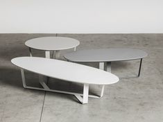 Low powder coated steel coffee table BINO | Oval coffee table by Miniforms