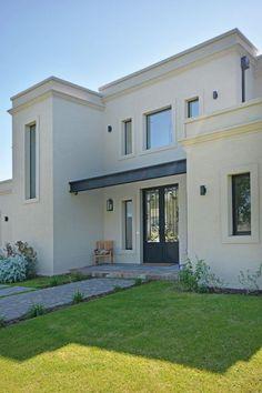mediterranean homes interior Classic House Exterior, Bungalow Exterior, Exterior House Colors, Exterior Design, Exterior Homes, House Front Design, Small House Design, Modern House Design, Casa Patio