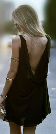 Black dress that is sexy and perfect for summer fashion #summer #fashion #trends