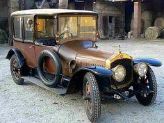 DE DION-BOUTON EA body 1913  Une De Dion Bouton EA body ancienne de 1913, carrosserie de Driguet à Paris, coupé de ville, modèle EA, moteur 2900 cc, voiture de collection. Old Vintage Cars, Old Cars, Antique Cars, Dodge, Veteran Car, Old Trucks, Car Car, Cars And Motorcycles, Classic Cars