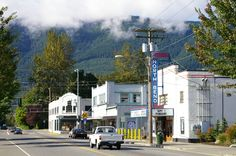 North Bend, WA <3 Town where Twin Peaks was filmed. Love this place.  Gorgeous scenery, lovely little town.  Want to go back.