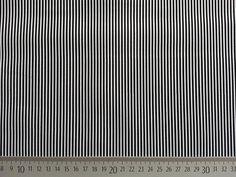 Stoff Streifen - Mini Streifen - schwarz/weiß - ein Designerstück von Wunderland-der-Stoffe bei DaWanda