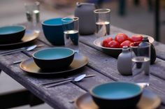 Adore this Heath Ceramics vintage rustic shot and the mis-matched but coordinated colors they selected.