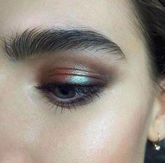 deep bronze iridesce