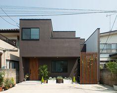 閑静な住宅街にある濃い茶色の家・間取り(東京都練馬区) | 注文住宅なら建築設計事務所 フリーダムアーキテクツデザイン