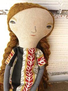 Muñeca grande. Paulina, en lino y algodón con pelo. 48 cm. de AntonAntonThings…