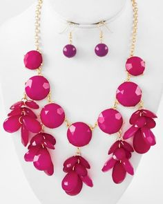 Gold Tone / Fuchsia Acrylic / Lead Compliant / Cluster Necklace & Fish Hook Earring Set
