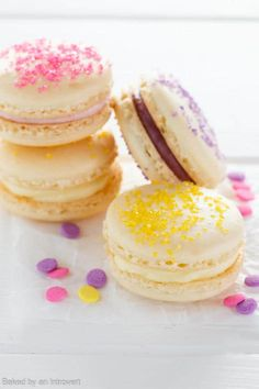 Make Easter fun with this simple recipe for colorful Cheesecake Macarons.Crisp and chewy French Macarons sandwiched together with fruity Cheesecake.