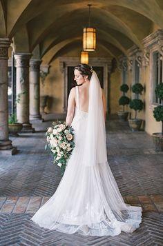 yolan cris, romantic wedding dress.