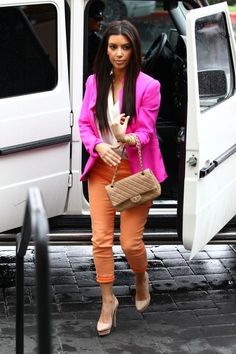 Lovin' this look. It's all about the colors. Kim Kardashian.