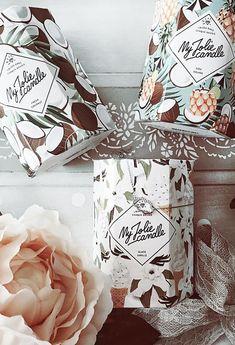Un bijou caché dans la cire de chaque bougie ! Comme @anaarranzc, craquez pour les parfums Fresh coconut, Pina colada et Glace vanille ! Le plus ? Dans chaque bougie se trouve un sublime bijou serti de cristaux Swarovski©. Plaqué or, plaqué or rose, argent… Le top de l'idée cadeau pour femme et pour toutes les occasions And for English people : #coconut #pina #colada #vanilla #candle #home #bedroom #decoration #woman #girl #room #ideas #living #modern #kitchen #house #jewel #scented Pina Colada, Home Spray, Candels, Premium Wordpress Themes, Scented Candles, Rose Gold Plates, Or Rose, Gifts For Women, Swarovski Crystals