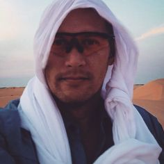thatchillaxdude.com #thatchillaxdude  And when it's blowing sand the headwrap is…