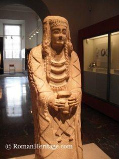dama oferente. museo arqueológico de madrid. spain