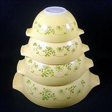 Pyrex Shenandoah Set 4 Mixing Nesting Bowls
