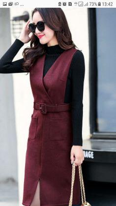 Suspender dress simple yet chic – Artofit Work Fashion, Modest Fashion, Hijab Fashion, Fashion Dresses, Simple Dresses, Casual Dresses, Iranian Women Fashion, Suspender Dress, Pinafore Dress