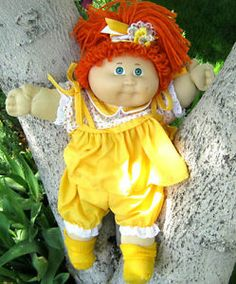 Authentic Cabbage Patch Doll, Red Hair with Single Ponytail - Blue signature 1985 - Very Nice Condition. Mfg for Coleco Industries, Inc. Chatty Cathy, Cabbage Patch Kids Dolls, Cabbages, Doll Accessories, Green Eyes, Ponytail, Red Hair, Baby Dolls, Nostalgia