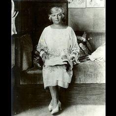 * Madeleine Vionnet 1926 photo Therese Bonney Madeleine Vionnet, Fashion Art, Vintage Fashion, Photo Portrait, French Fashion Designers, All About Fashion, Dressmaking, Timeless Fashion, Designing Women