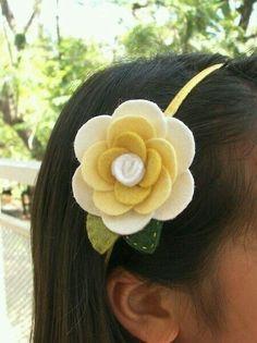 Melissa Yellow Wool Felt Flower Headband for by PetitCalla Diy Baby Headbands, Felt Headband, Flower Headbands, Felt Flowers, Flowers In Hair, Fabric Flowers, Felt Roses, Flower Hair, Ribbon Flower Tutorial