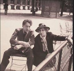 Jean Cocteau et Colette au Palais-Royal - Paris, 1947 Writers And Poets, Palais Royal, Jean Cocteau, Photo Portrait, Cecil Beaton, Book Writer, Jeans, Selfies, Black And White