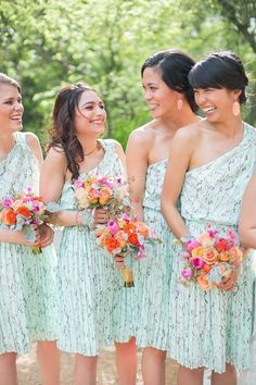 We go weak in the knees for our fave color palette: mint+pink! Swooning over these lovely dresses via @stylemepretty