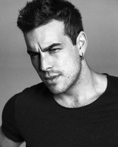 OMG, he's naked: Mario Casas in 'Instinto' Male Face, Attractive Men, Good Looking Men, Man Crush, Crush Crush, Male Beauty, Perfect Man, Handsome Boys, Pretty Boys