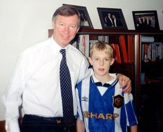 Darren Fletcher leaves Old Trafford as a hero to team-mates and staff Manchester United Legends, Manchester United Football, Chris Wright, Sir Alex Ferguson, West Brom, Vintage Football, Old Trafford, Man United, Manchester United